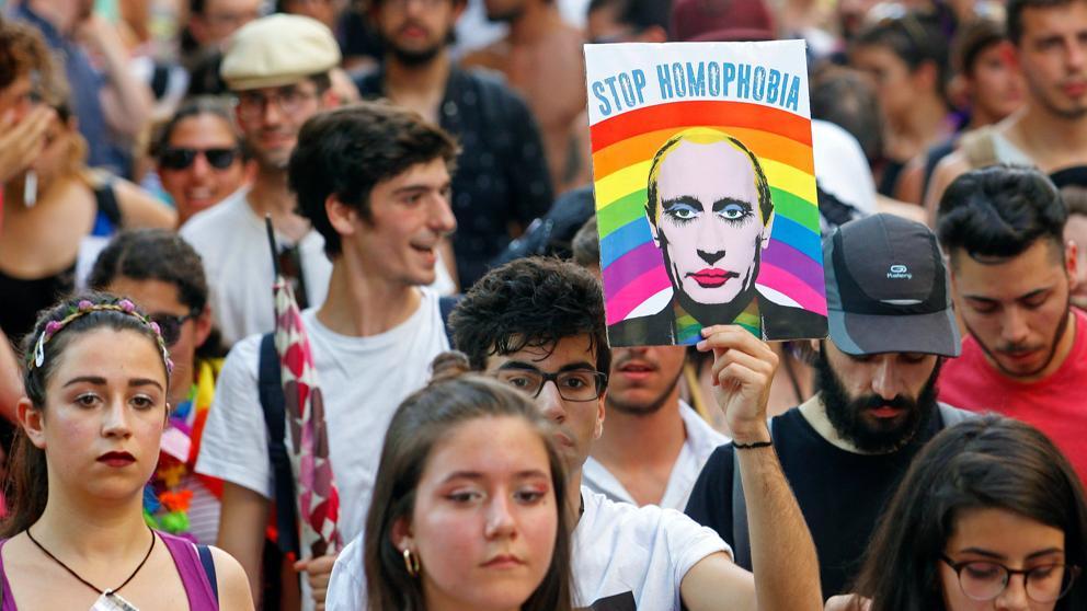 Vladimir Putin asegura que no habrá matrimonios homosexuales mientras gobierne Rusia.
