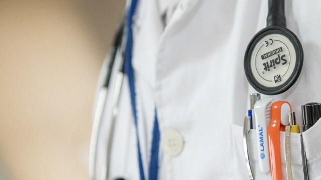 Hospitales Estados Unidos, Despedir, Personal Medico