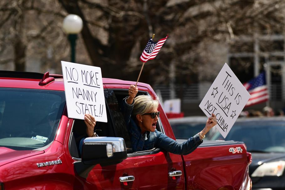 Protestan contra la cuarentena por coronavirus en EEUU