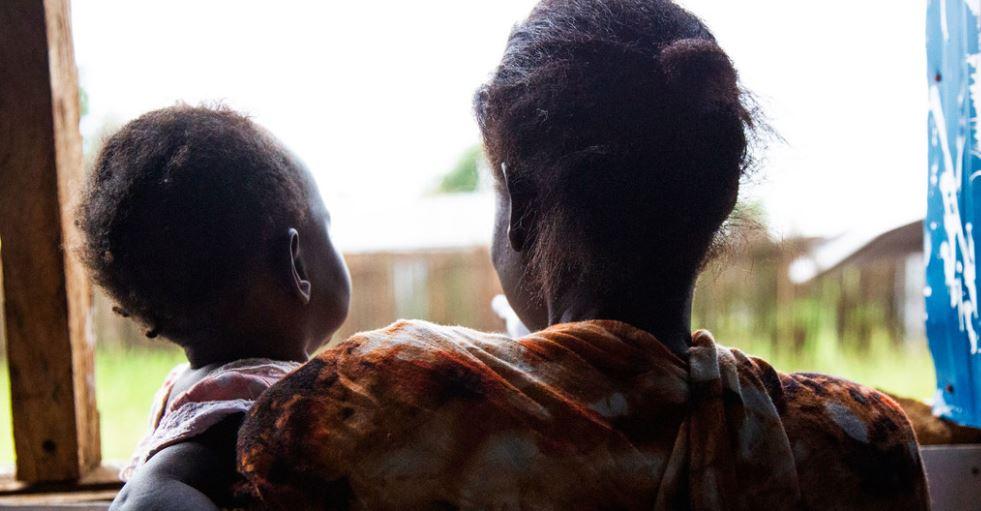 Violencia doméstica aumenta drásticamente durante la pandemia, alerta la ONU