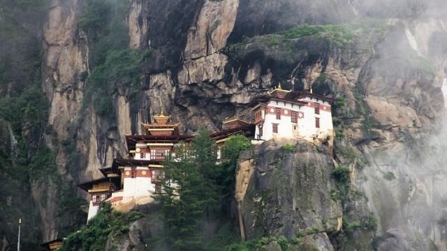 Butan, Covid-19, Infectado, Turista