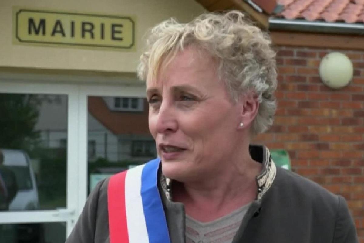Marie Cu, Alcaldesa Alcaldesa, Trans, Francia