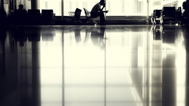 Futbolista, Aeropuerto, India, Covid-19