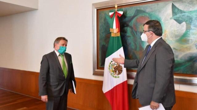 Marcelo Ebrard afirma que ensayos de fase 3 de vacuna rusa se aplicarán en México