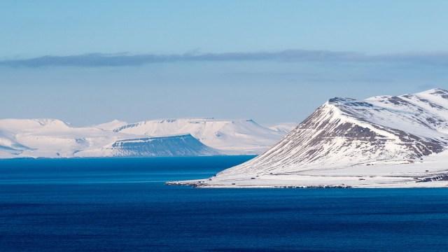 Grupos ambientalistas aseguran que la decisión de Noruega de perforar el Ártico en busca de petróleo es una amenaza al ecosistema y sus relaciones con Rusia