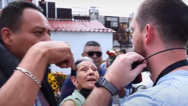 """El predicador de 'Torch of Christ Ministries' se puso a hablar de Cristo en el Barrio Bravo de Tepito para """"evangelizar"""" a creyentes de la Santa Muerte, Captura de Pantalla"""