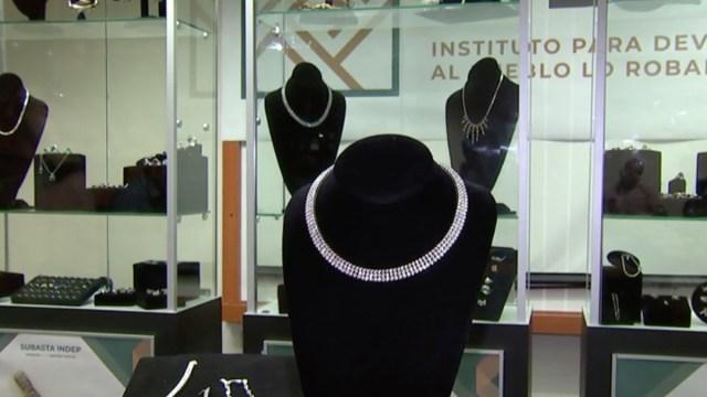 Jaime Cárdenas, exdirector del Instituto Nacional para Devolverle al Pueblo lo Robado (Indep), denunció el robo de joyas