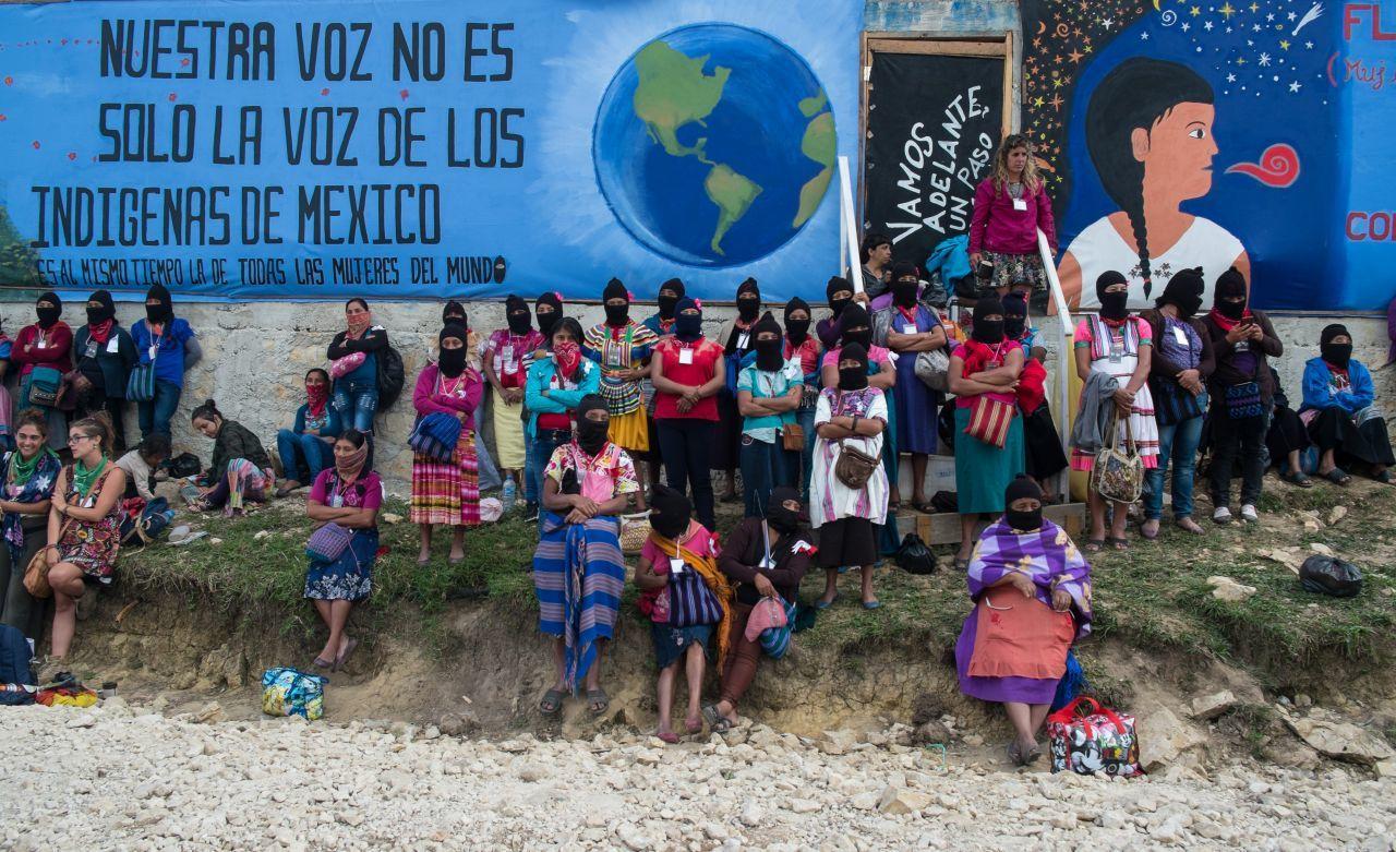 Mujeres zapatistas en el territorio autónomo del Caracol de Morelia