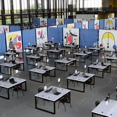 UNAM abre otro centro de préstamo de computadoras e internet