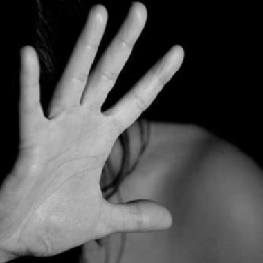 15 jóvenes abusaron niña 14 años fiesta España