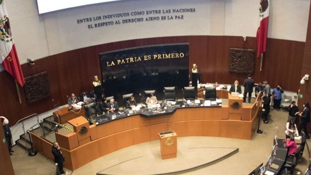 El Senado de la República ha aprobado por lo general la eliminación del fuero presidencial; se perfila a una modificación de la Constitución