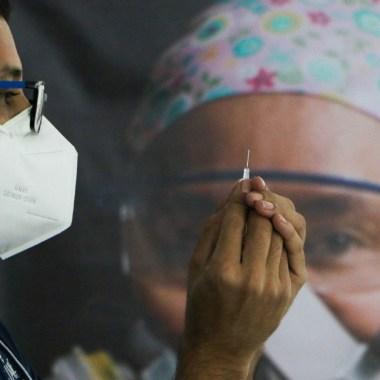 Moderna anuncia 100% de efectividad en vacuna contra Covid-19