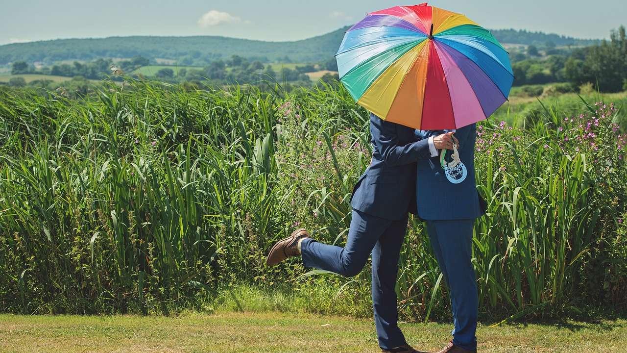 Parlamento de Suiza legaliza matrimonio personas del mismo sexo