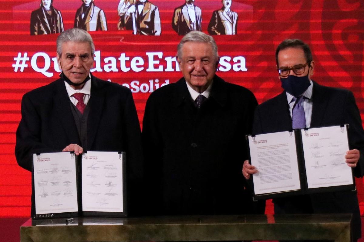 Gobierno de México y empresarios aprueban posponer la ley de la subcontratación