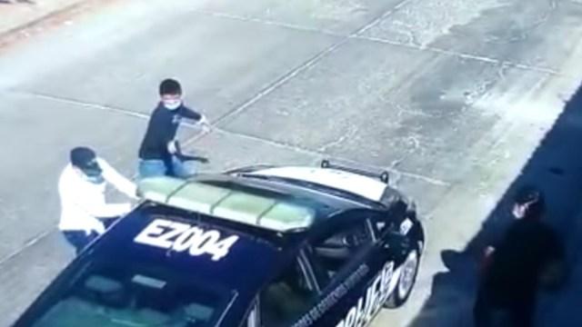 Tres sicarios adolescentes mataron a balazos a un policía en su patrulla [Video]