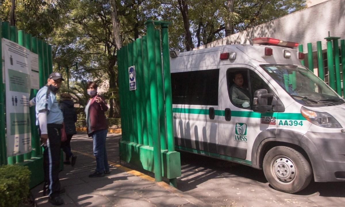 Los servicios de hospitales de especialidad y medicamentos serán gratis