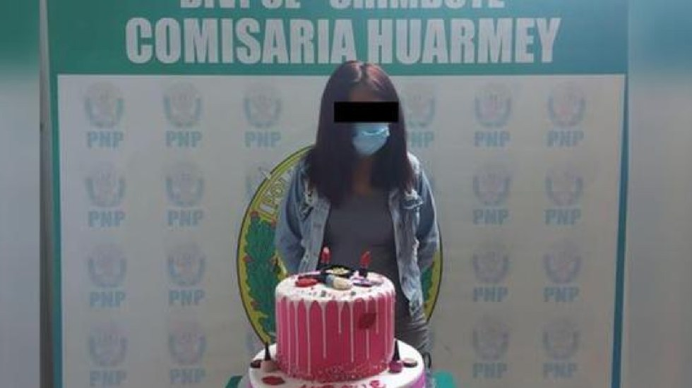 Detienen mujer pastel cumpleaños