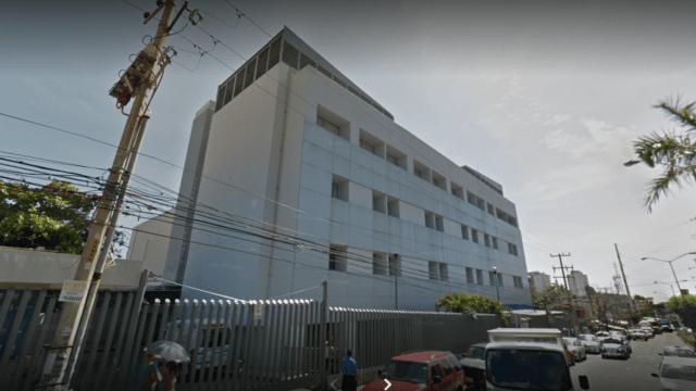 Sin atender casos de COVID-19, administrativo de hospital del ISSSTE de Acapulco recibe vacuna