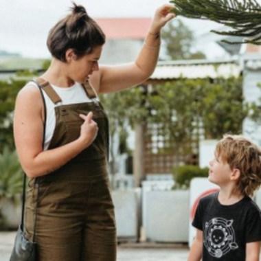 Mujer no asignó un género a su hijo, la acusan de abuso infantil
