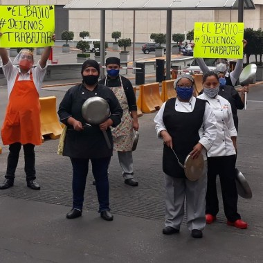 """CDMX: restauranteros protestan con """"cacerolazo"""", piden abrir establecimientos"""