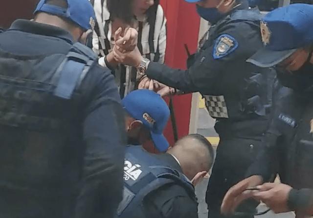 [Video] Sacan a la fuerza a pareja del Metro de CDMX por no usar cubrebocas