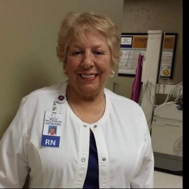 Murió enfermera rechazó jubilarse atender pacientes COVID-19 Estados Unidos