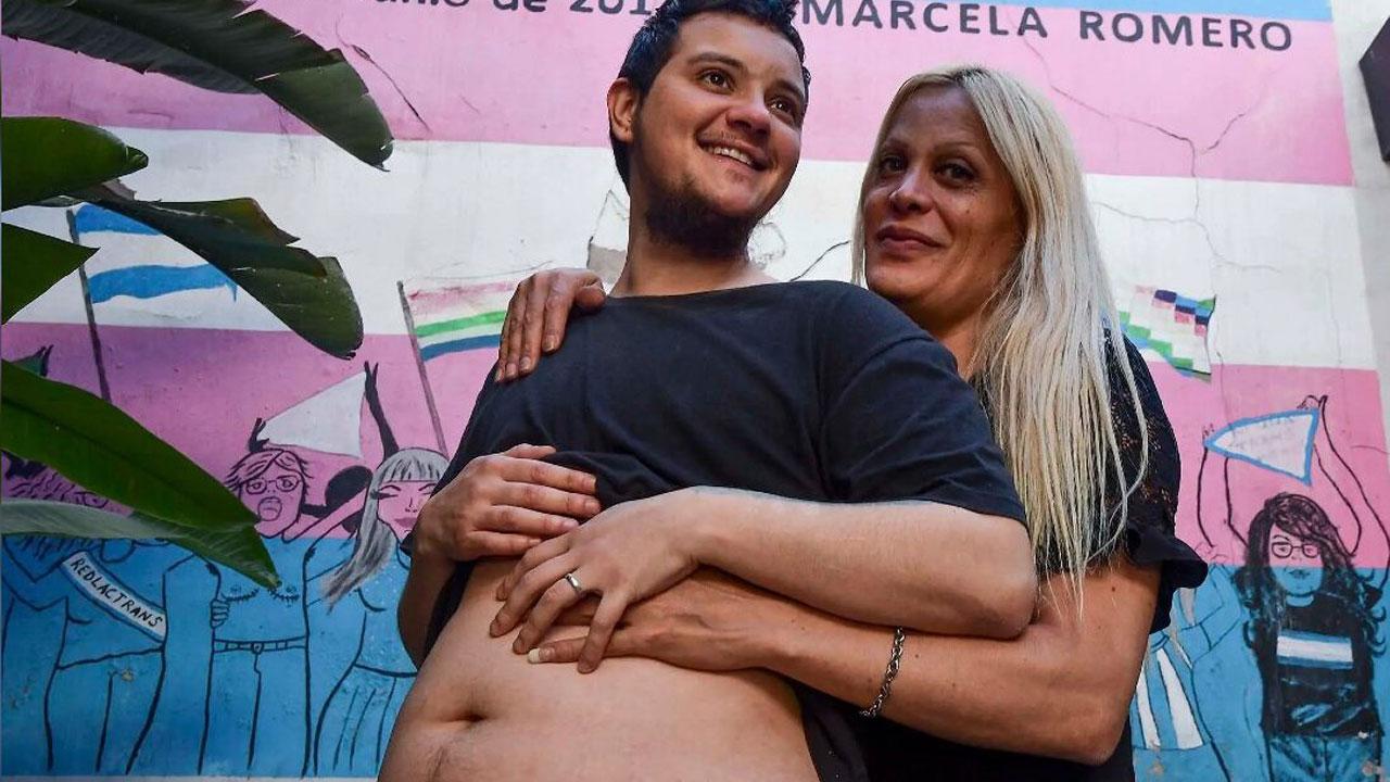 Los argentinos Franco Di Piero y Hannah Palacio son una pareja transgénero que está a meses de convertirse en papás; él será quien dé a luz