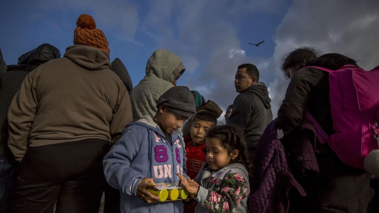 Un equipo de pediatras realizó un estudio en el que comparan el trato de Estados Unidos a niños migrantes en la frontera con la tortura