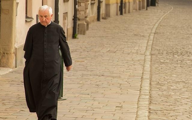 Tribunal declaró culpable de violación al sacerdote Aristeo Baca