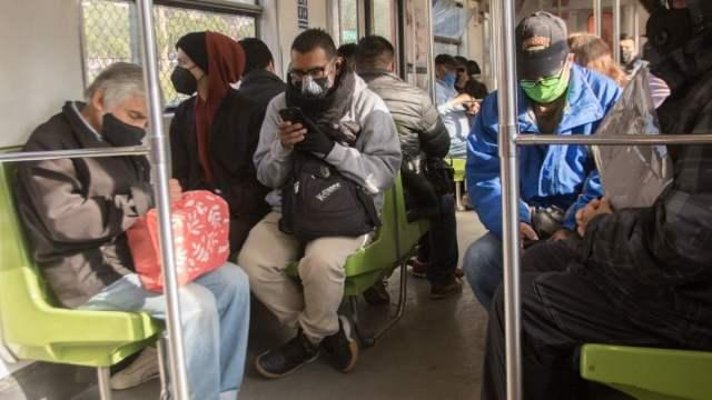 Rapero revela que comerciantes ambulantes del Metro pagan derecho de piso