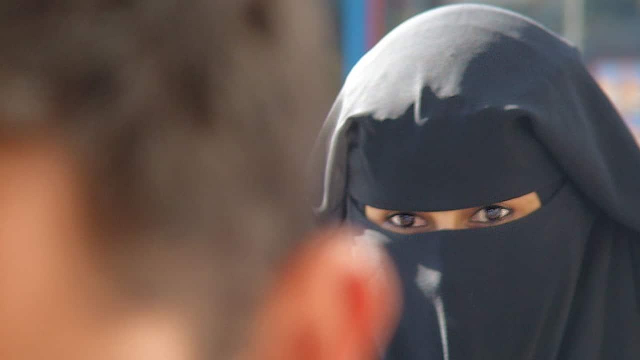 obligada a casarse 12 años su marido le desfiguro el rostro con ácido