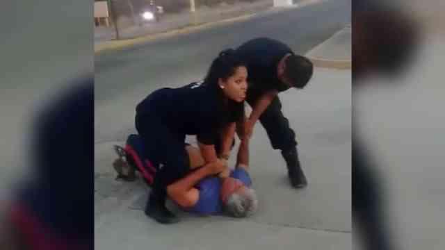 Oaxaca: policías someten a anciano de 70 años, no hay informe policial