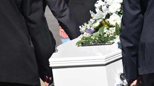 Cambiaron el cuerpo de una fallecida por Covid-19; en su féretro estaba el cadáver de un hombre