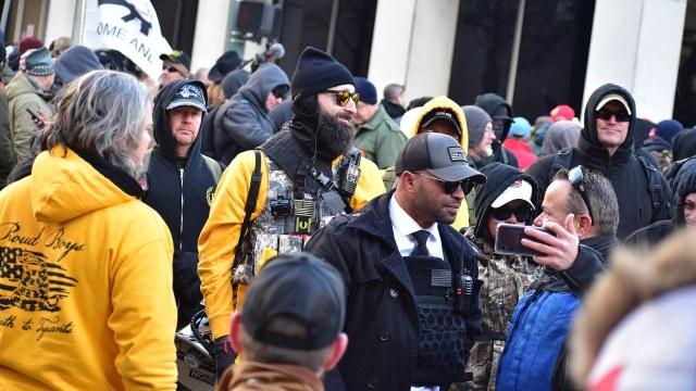 Gobierno de Canadá declara a los Proud Boys como un grupo terrorista