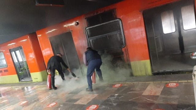 En la estación Indios Verdes del metro de la CDMX, se reportó el incendio de un convoy; no hubo lesionados