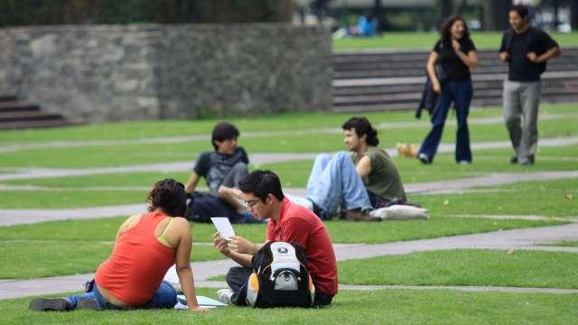 20 mil estudiantes no recibieron título profesional UNAM 2020