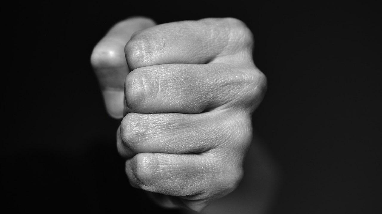 Video: Hombre agredió a una anciana asiática