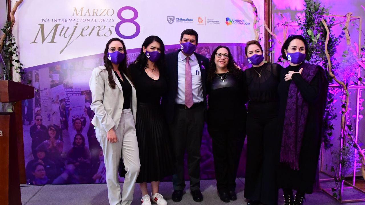 Reconocimiento Javier Corral Ichmujeres apoyo a las mujeres
