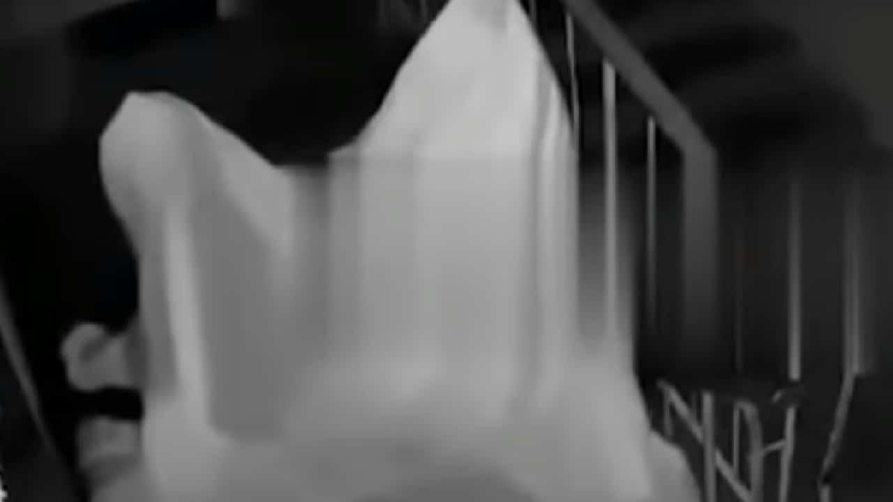 Rusia: hombre se disfrazó de fantasma para acosar a su ex.