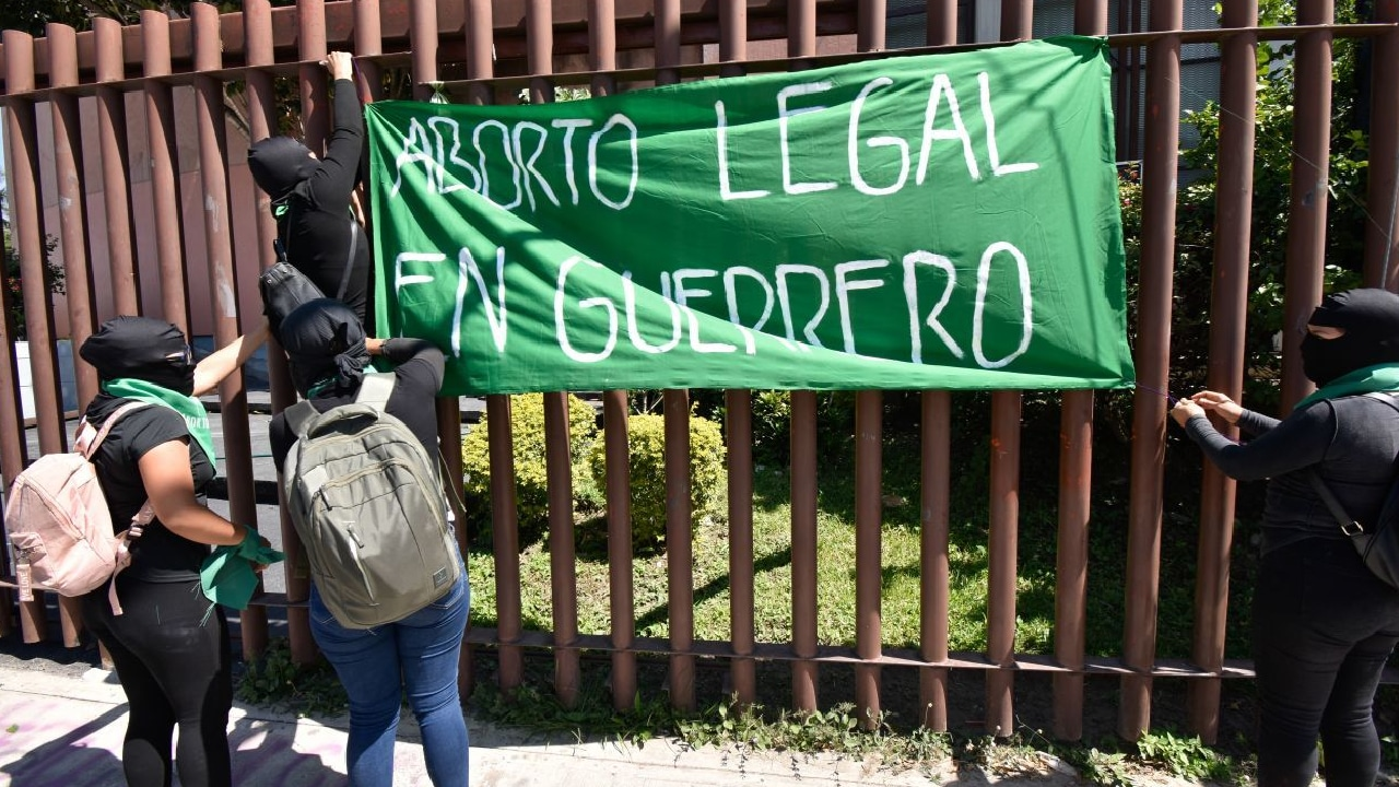 INE suspendió campaña electoral del PES por posicionarse contra el aborto y la adopción homoparental