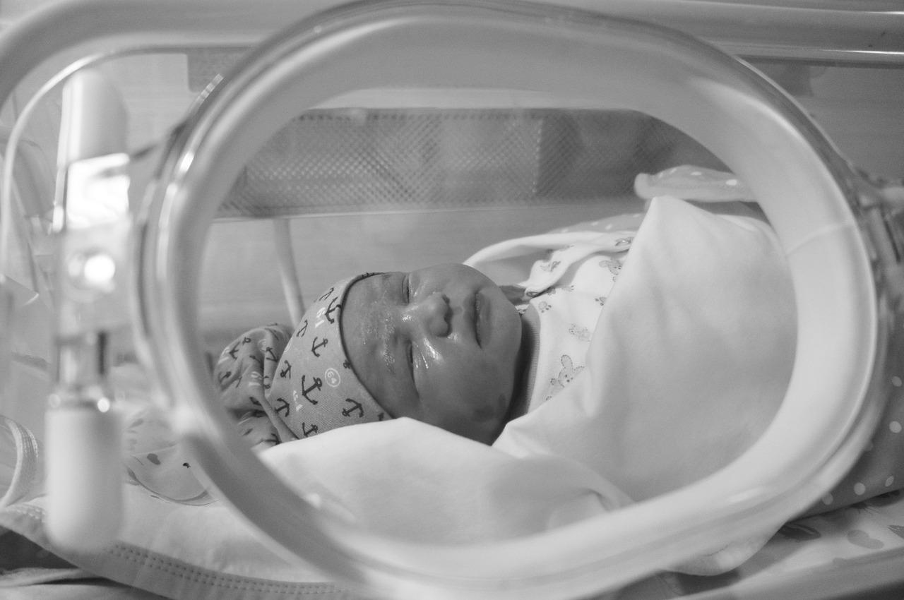 Mortinatos y muertes de mujeres embarazadas aumentaron por pandemia de Covid-19