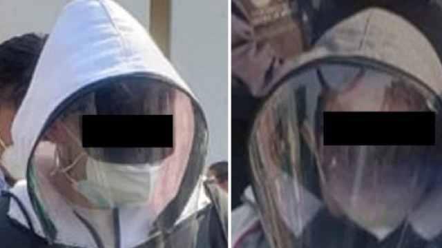 Dos hombres se disfrazaron de anciandos para ser vacunados contra Covid-19