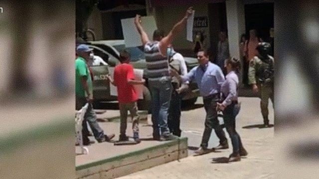 Michoacán agresión Aureoles Aguililla