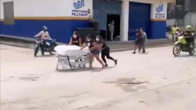 Familiares Roban Cuerpo Hombre Fallecido Covid-19 Colombia