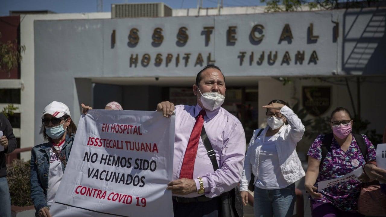Personal Médico México Segundo Salario Bajo OCDE