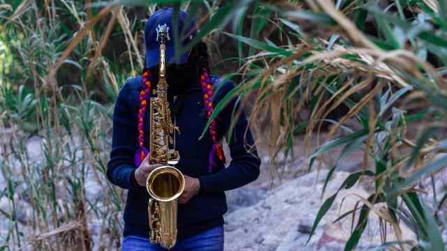Muere atacante saxofonista María Elena Ríos