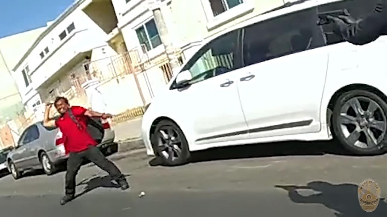 video policía Los Ángeles dispara hombre