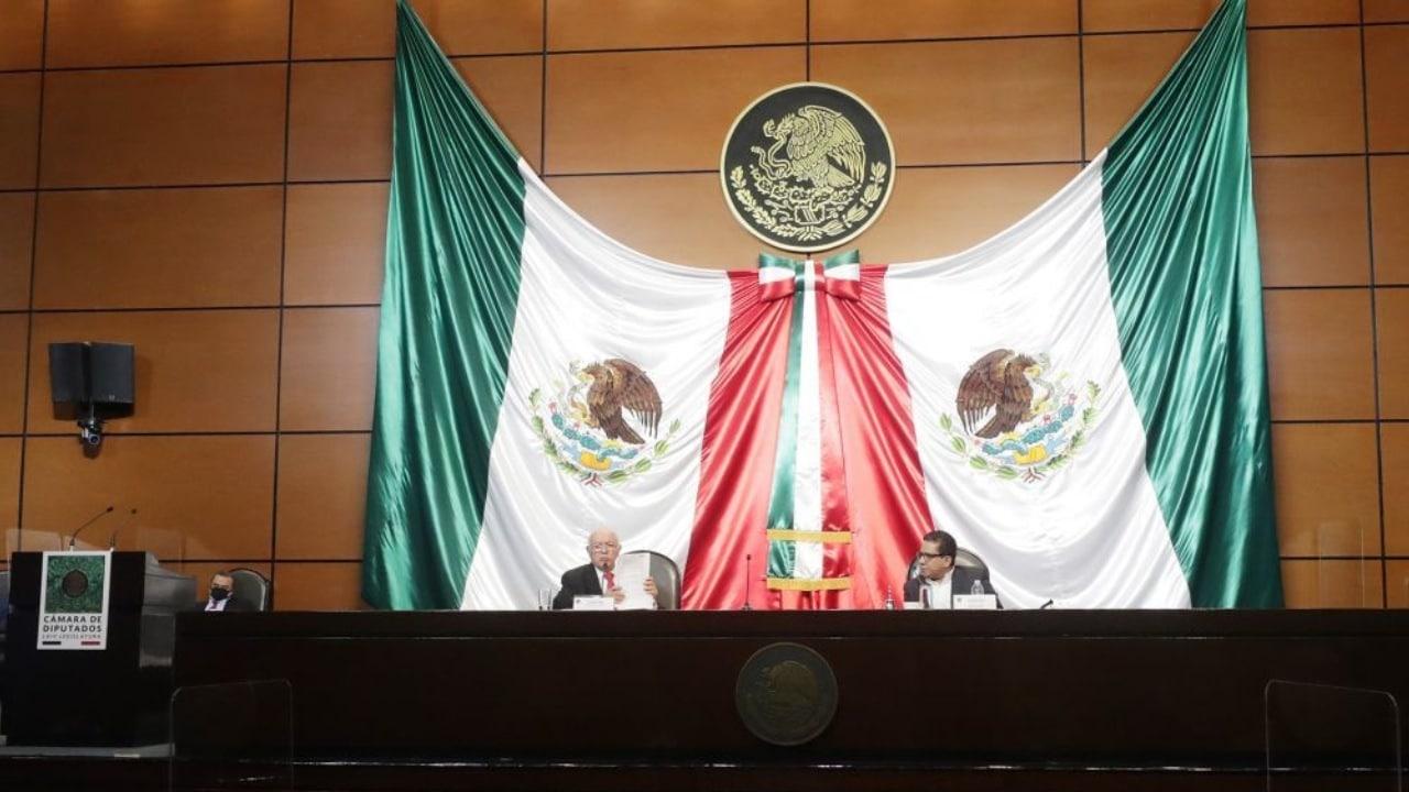 Sueldo y prestaciones de los diputados México 2021