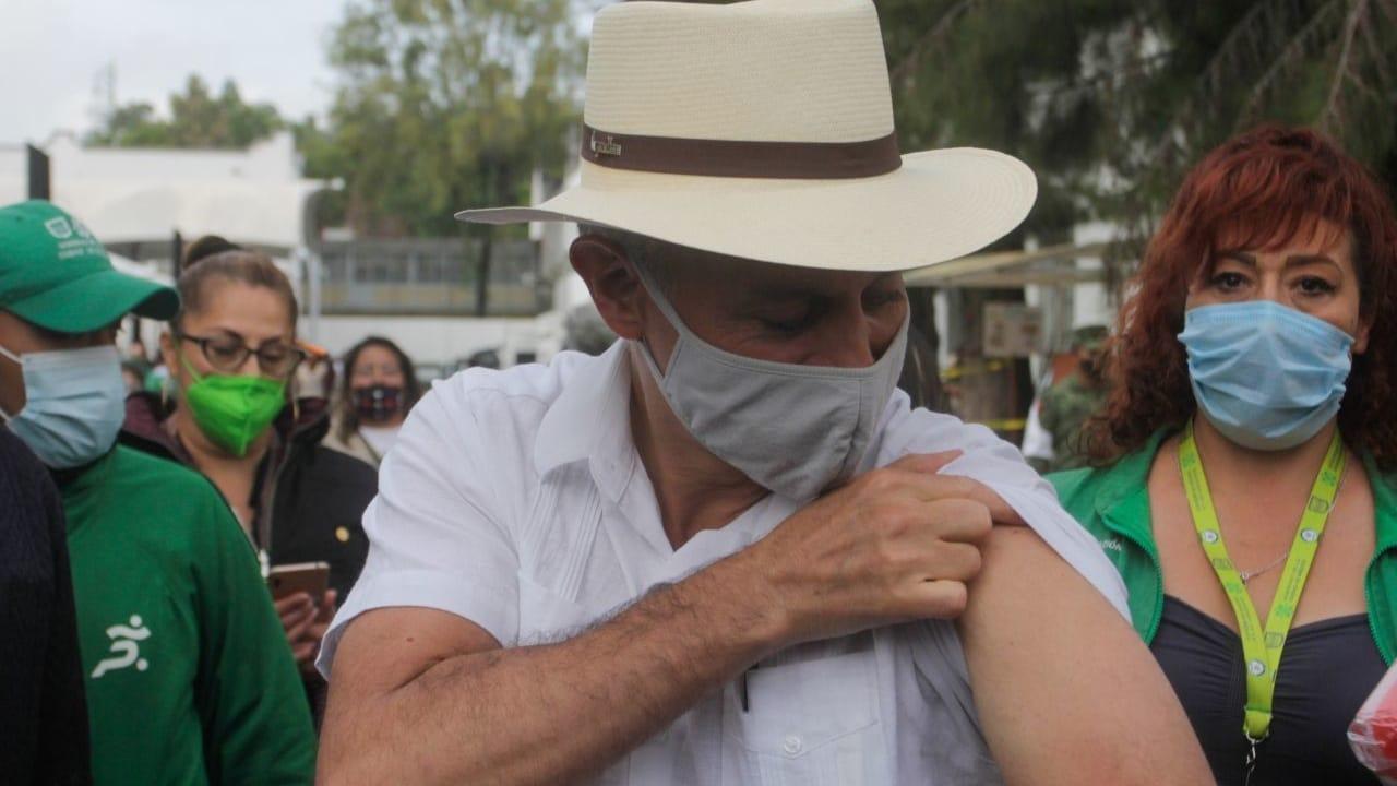 Vacunación Hugo López-Gatell