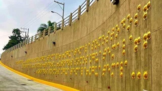 Mural braille Guatemala paso vehicular